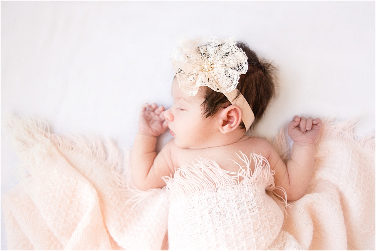 Houston_Lifestyle_Indoor_Newborn_Session_00