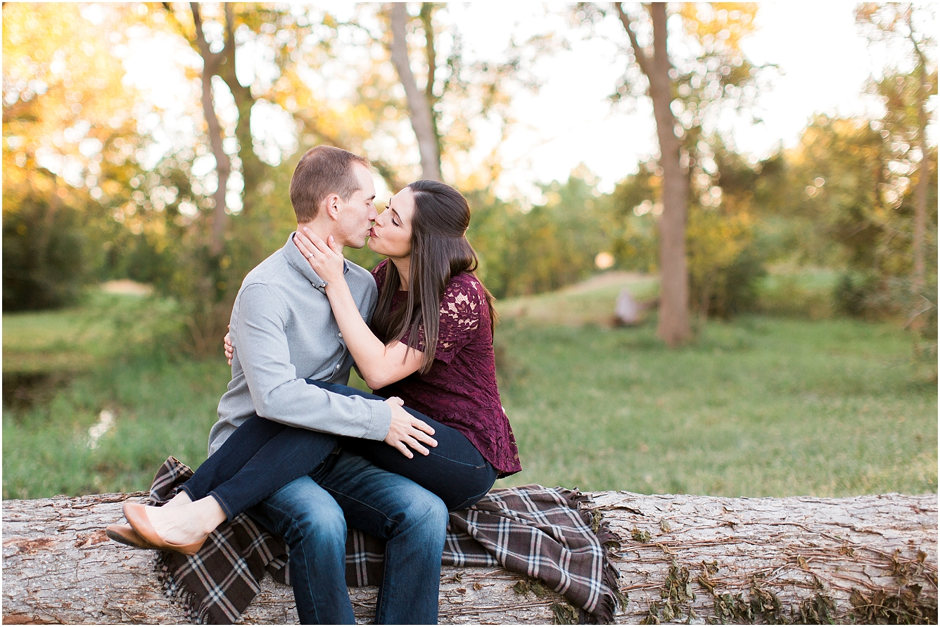 Cozy Fall Engagement Photography in Katy, TX_18